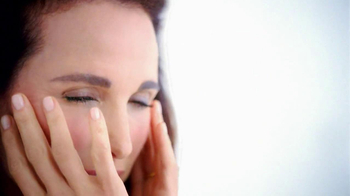 L'Oreal Visible Lift TV Spot Feat. Andie MacDowell - Thumbnail 7