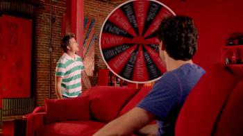 Pizza Hut $10 Any Pizza Carryout TV Spot, 'Prize Wheel' - Thumbnail 3