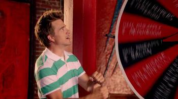 Pizza Hut $10 Any Pizza Carryout TV Spot, 'Prize Wheel' - Thumbnail 4