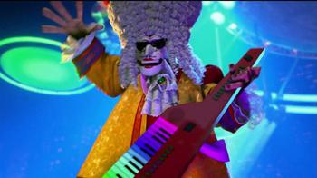 Madagascar 3 DVD with Marty's Rainbow Wig TV Spot - Thumbnail 4