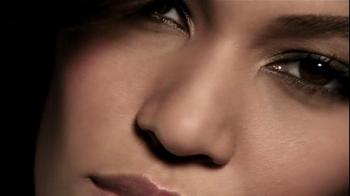 Estee Lauder Double Wear TV Spot - Thumbnail 4