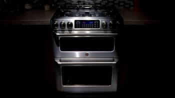 GE Appliances Cafe Line Ovens TV Spot, 'Mole Sauce' - Thumbnail 8