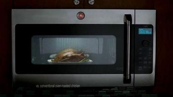 GE Appliances Cafe Line Ovens TV Spot, 'Mole Sauce' - Thumbnail 4