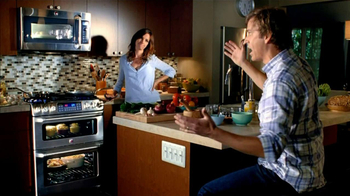GE Appliances Cafe Line Ovens TV Spot, 'Mole Sauce'