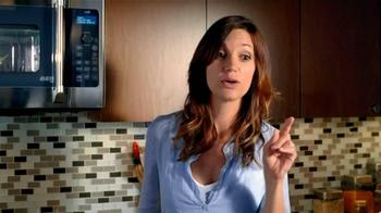 GE Appliances Cafe Line Ovens TV Spot, 'Mole Sauce' - Thumbnail 6