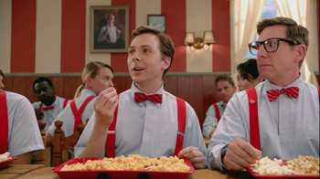 Orville Redenbacher's Popcorn TV Spot, 'Lunchroom' - Thumbnail 8