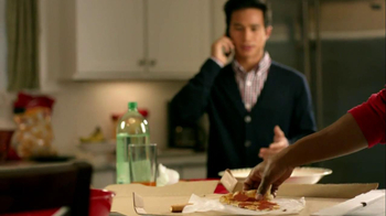 Motorola Droid Razr TV Spot, 'Pizza and Pitching Changes' - Thumbnail 4