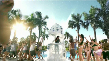 Coors Light Silver Bullet TV Spot, 'Pool Dance Party' - Thumbnail 3