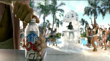 Coors Light Silver Bullet TV Spot, 'Pool Dance Party' - Thumbnail 4