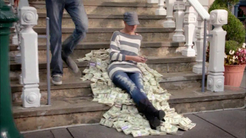 J.G. Wentworth TV Spot, 'Cash Pile' - Thumbnail 2