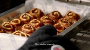 Burger King Cinnabon Minibon Rolls and Ginbread Cookie Treats TV Spot - Thumbnail 3