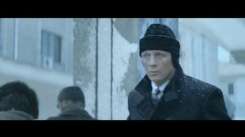 Heineken TV Spot, 'James Bond Train Chase' Featuring Daniel Craig - Thumbnail 1