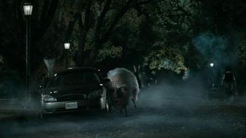 Snickers Halloween Satisfaction TV Spot, 'Horseless Headsman' - Thumbnail 3