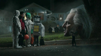 Snickers Halloween Satisfaction TV Spot, 'Horseless Headsman'