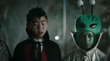Snickers Halloween Satisfaction TV Spot, 'Horseless Headsman' - Thumbnail 9