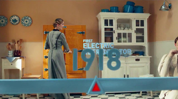 Frigidaire Flexible French-Door Refrigerator TV Spot, 'Legendary Innovation: Family in Kitchen' - Thumbnail 2