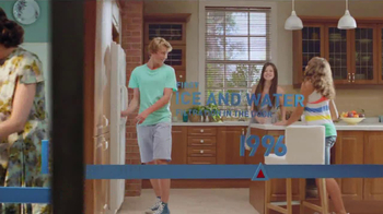 Frigidaire Flexible French-Door Refrigerator TV Spot, 'Legendary Innovation: Family in Kitchen' - Thumbnail 4