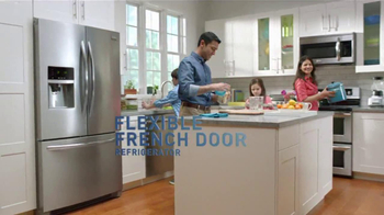 Frigidaire Flexible French-Door Refrigerator TV Spot, 'Legendary Innovation: Family in Kitchen' - Thumbnail 6