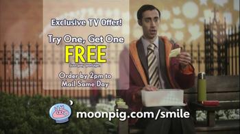 Moonpig TV Spot, 'Smile' - Thumbnail 7
