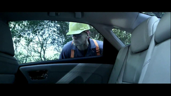 Toyota Avalon TV Spot, 'Traffic Stop' Featuring Idris Elba - Thumbnail 6