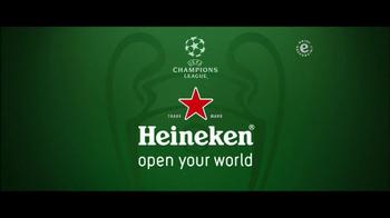 Heineken TV Spot 'Champions League: Arrival' - Thumbnail 7