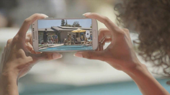Samsung Galaxy S4 TV Spot, 'Pool Party' - Thumbnail 3