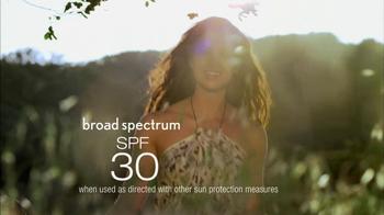 Aveeno Positively Radiant TV Spot, 'Future' - Thumbnail 7