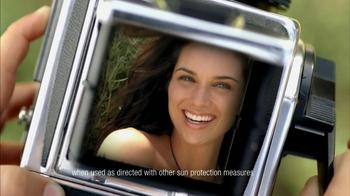 Aveeno Positively Radiant TV Spot, 'Future' - Thumbnail 8