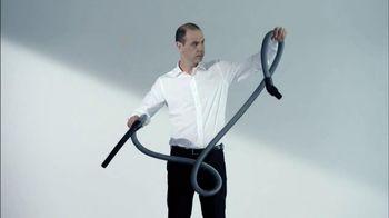 Gtech AirRam Cordless Vacuum Cleaner TV Spot, 'Chipper'