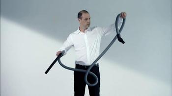 Gtech AirRam Cordless Vacuum Cleaner TV Spot, 'Chipper' - Thumbnail 3