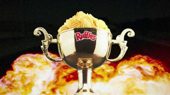 Ruffles Ultimate Tangy Honey Mustard TV Spot, 'Action Hero' - Thumbnail 1