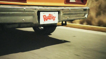 Ruffles Ultimate Tangy Honey Mustard TV Spot, 'Action Hero' - Thumbnail 6