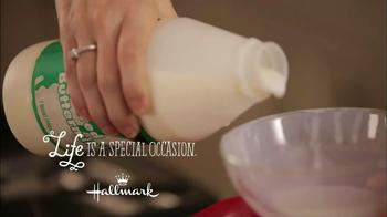 Hallmark Life TV Spot, 'Hand Print Card' - Thumbnail 1