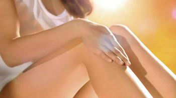 Neutrogena Ultra Sheer Dry Touch TV Spot Featuring Jennifer Garner - Thumbnail 4
