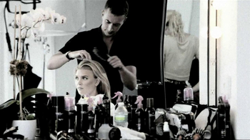 TRESemme Platinum Strength TV Spot, 'Mercedes-Benz Fashion Week'