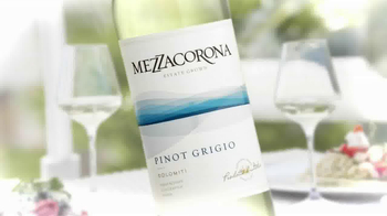 Mezzacorona Pinot Grigio TV Spot, 'Opening Up Your Life'