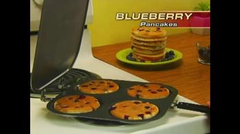 Perfect Pancake TV Spot, 'Flip, Flop' - Thumbnail 4