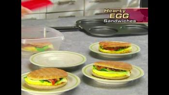 Perfect Pancake TV Spot, 'Flip, Flop' - Thumbnail 7