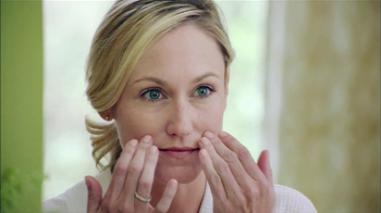 Garnier Ultra-Lift TV Spot, 'HGTV Smart Home 2013' - Thumbnail 6