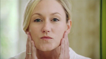 Garnier Ultra-Lift TV Spot, 'HGTV Smart Home 2013' - Thumbnail 7
