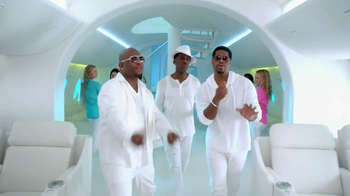 Old Navy TV Spot, 'In-Flight Entertainment' Featuring Boyz II Men - Thumbnail 5