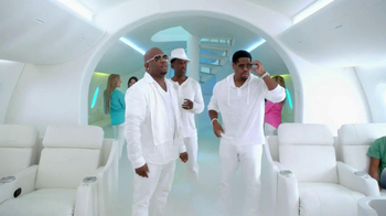 Old Navy TV Spot, 'In-Flight Entertainment' Featuring Boyz II Men - Thumbnail 8