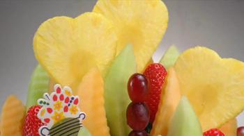 Edible Arrangements TV Spot, 'We Heart Moms' - Thumbnail 2