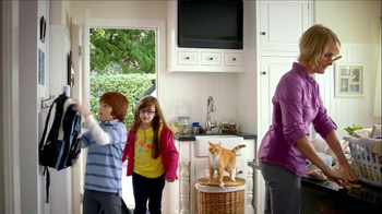 Tidy Cats + Glade TV Spot, 'Clothing Pins' - Thumbnail 2