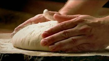 Little Caesars Deep, Deep Dish Pizza TV Spot, 'Hot-n-Ready' - Thumbnail 3