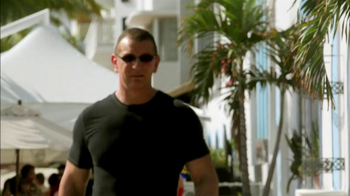 Transitions Adaptive Optical TV Spot Featuring Robert Irvine - Thumbnail 2