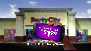 Party City TV Spot, 'Summer Pool Party' - Thumbnail 9