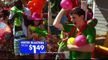 Party City TV Spot, 'Summer Pool Party' - Thumbnail 4