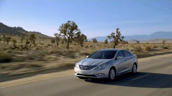 Hyundai Assurance Connected Care TV Spot, 'Signs' Song by Bob Marley - Thumbnail 3