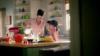 Kitchen Aid Even-Heat Technology TV Spot, 'Stuff Around the House'